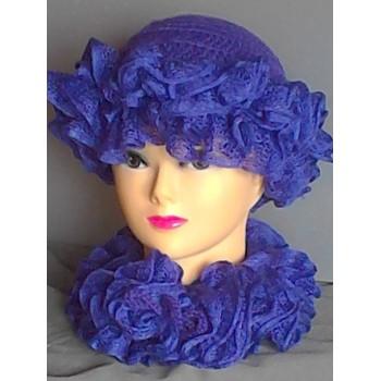 Cappello  in lana ad uncinetto